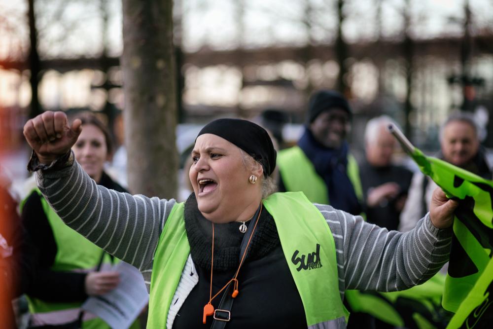Onet Victoire Eclatante Des Grevistes Du Nettoyage Des Gares