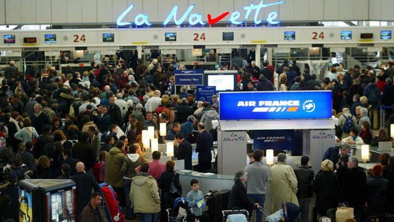 Air France tente un coup pour sortir du conflit salarial — Grèves