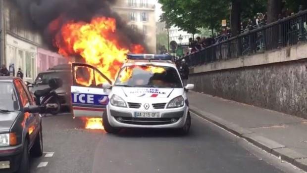 voiture de police brûlée à république : sans aucune preuve, trois