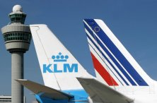 Air-France-KLM. Le PDG va toucher un bonus de 800 000 euros et va licencier massivement