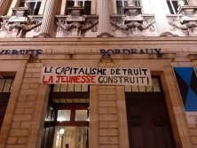 200 étudiants votent l'occupation de la fac de Bordeaux Victoire