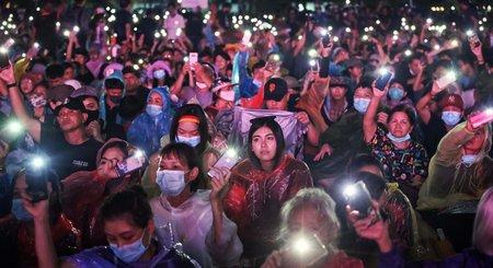 Thaïlande. Des dizaines de milliers de manifestants contre la monarchie et pour les droits démocratiques
