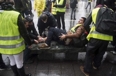 Gilets Jaunes fichés à l'hôpital et violation du secret médical : le Canard Enchaîné confirme les doutes