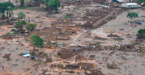 Une catastrophe environnementale au Brésil et l'hypocrisie des chefs d'État