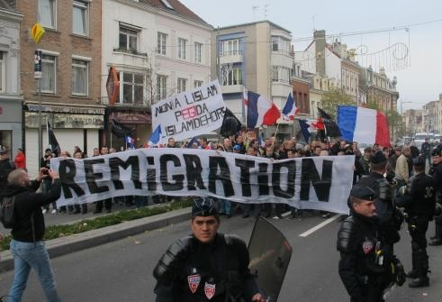 Calais. Le nouveau terrain de ratonnade de l'extrême droite