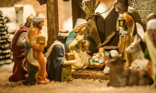 Les crèches et le petit-Jésus, une obsession bien lepéniste