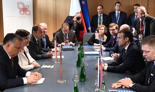 Macron, rempart contre l'autoritarisme en Europe de l'Est ?