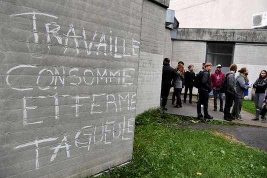 La droite sénatoriale veut punir d'un an de prison et 7500€ d'amende les blocages de partiels