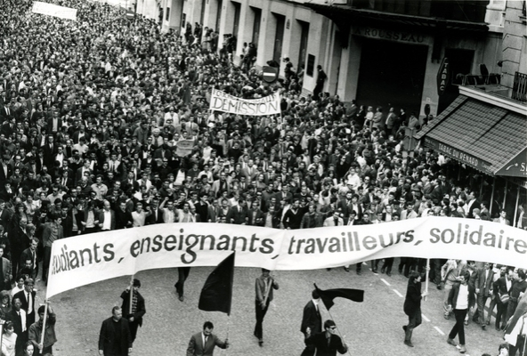Grève générale pour dégager Macron et instaurer une Assemblée unique !