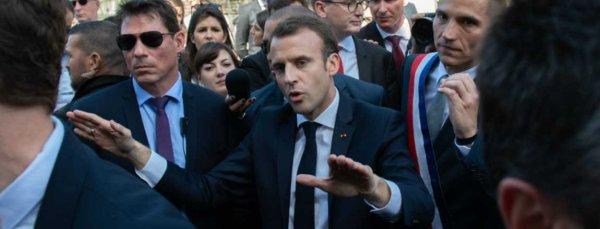 Un retraité en garde à vue pour un doigt d'honneur à Macron