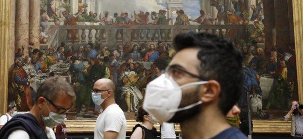 """Masque obligatoire """"dès la semaine prochaine"""" : le gouvernement pris de court par la reprise épidémique"""