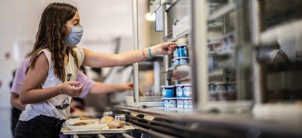 En pleine crise sanitaire, Darmanin en croisade contre les repas végétariens à la cantine