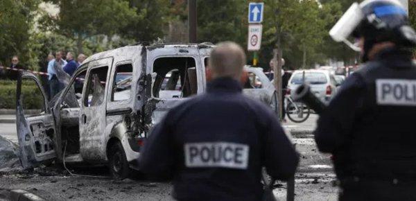 Viry-Châtillon : la police truque les preuves pour emprisonner des innocents