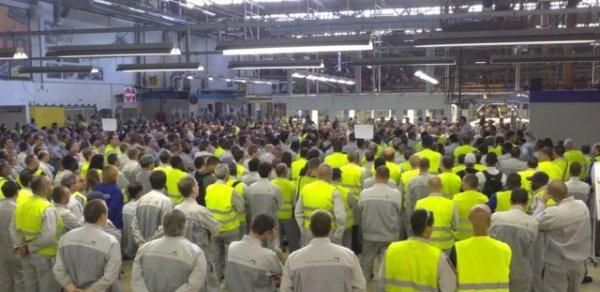 Hordain : PSA Sevelnord, une semaine de débrayage : embauchés et intérimaires unis pour les salaires
