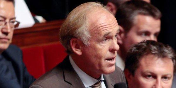 Il dénonçait les fraudeurs aux allocations, l'ancien député a trois comptes suisses