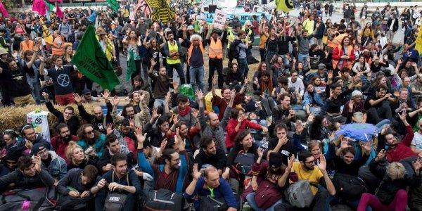 Extinction Rebellion installe son occupation au cœur de Paris et défie le gouvernement