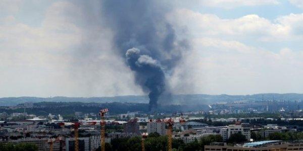 Catastrophe de Lubrizol : près de 9500 tonnes de produits ont brûlé