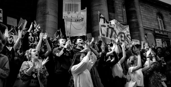 Marche éco-lycéenne à Bordeaux : la jeunesse se met au vert