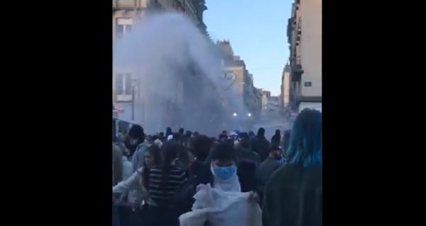 VIDEO. Canon à eau et lacrymo contre les manifestants de la Marche des Libertés à Rennes