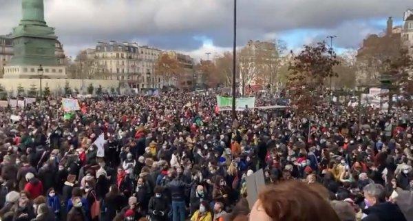 Colère dans la culture : des milliers de manifestants dénoncent « une précarité absolue »
