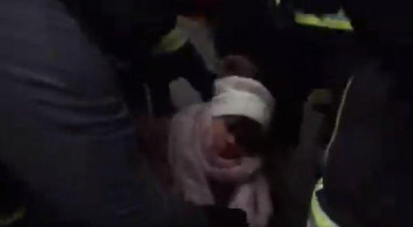 5 décembre. Une jeune femme blessée à l'œil à Paris Place de la République