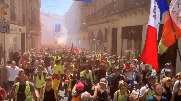 VIDEO. Acte 30 : « On est plus chaud que les lacrymogènes », une pluie de grenades à Montpellier