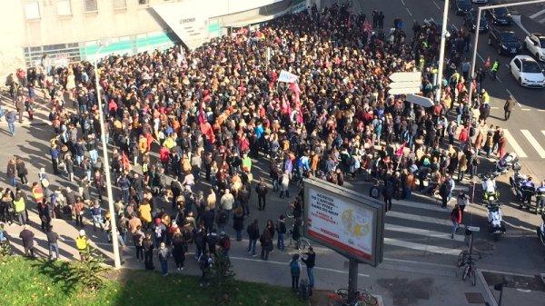 Après l'immolation d'un jeune à Lyon, la jeunesse se mobilise partout en France