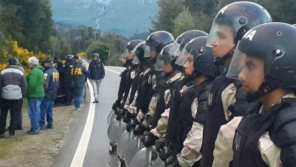 Argentine : un jeune mapuche meurt tué d'une balle de 9 mm suite à la répression policière