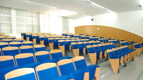 A Poitiers, la Fac de Lettres et Langues adopte une motion contre le « Plan Etudiants »