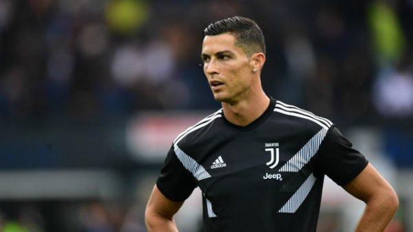 """Cristiano Ronaldo accusé de viol invoque la """"fake news"""""""