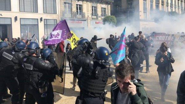Violente répression de la manifestation et des cortèges syndicaux à Rennes