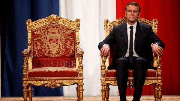 Macron engage des travaux de 500.000 euros à l'Élysée pour refaire la salle des Fêtes