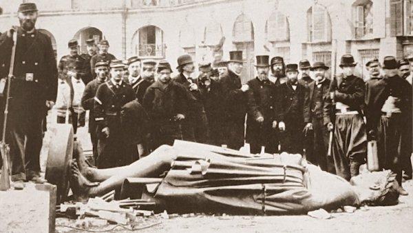 Lutter pour une société démocratique : de la Commune de Paris aux gilets jaunes.