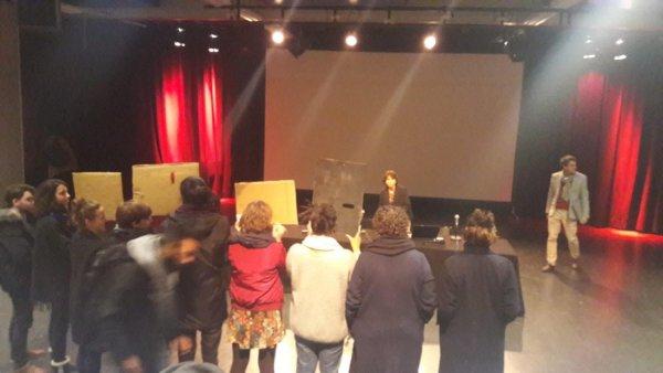 Paris 8. Les étudiants mobilisés interpellent la présidente de la fac