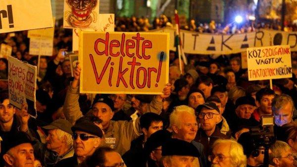 Mobilisations en Hongrie. « Cette loi esclavagiste a été écrite pour attirer les industriels allemands »