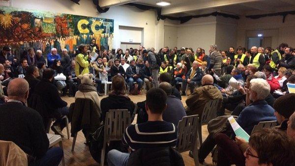 """A la veille du """"Grand Débat"""", des Gilets Jaunes interpellent les syndicats pour la grève générale"""