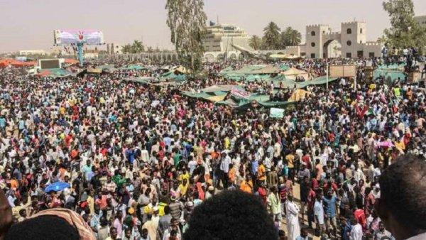 Soudan. Al-Bachir tombé, l'armée prend le pouvoir et impose l'état d'urgence