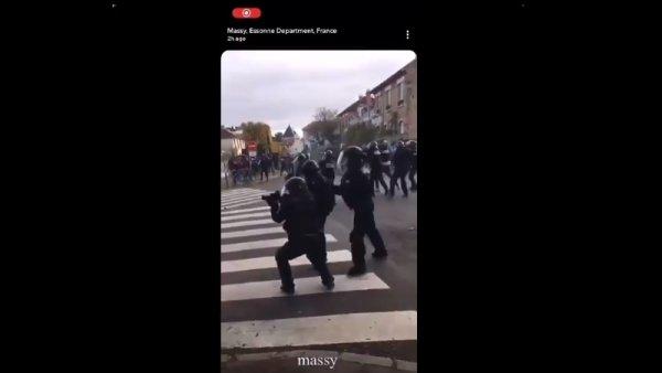 Des lycéens de Massy bloquent leur établissement : Lacrymogènes et tir de LBD de la police