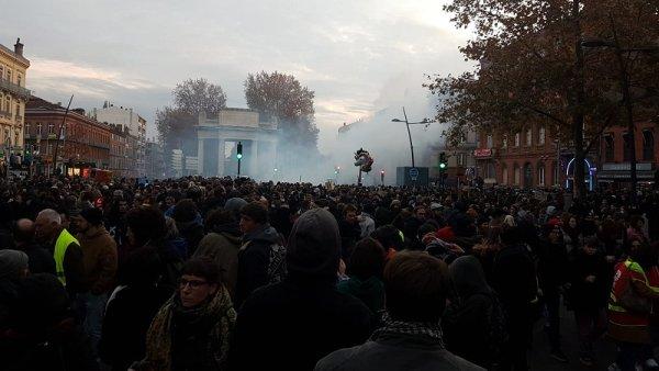 Toulouse la rouge ! 100 000 manifestants selon la CGT, la répression s'abat sur le cortège