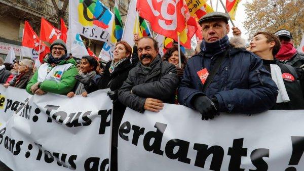 """Les directions syndicales disent """"ancrer le mouvement dans la durée"""". Qu'ils arrêtent donc toute négociation avec le gouvernement !"""