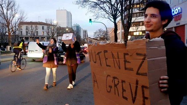 Vidéo. A Pantin, les étudiants aident à remplir la caisse de grève des agents RATP