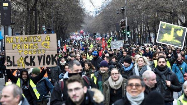 Après un mois de grève, 61 % de la population soutient le mouvement de grève