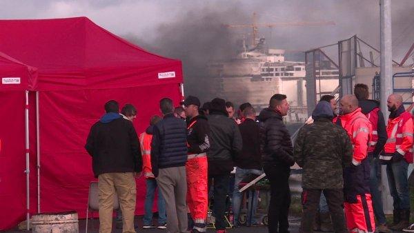 Le blocage des dockers et portuaires met à l'arrêt la raffinerie de Donges
