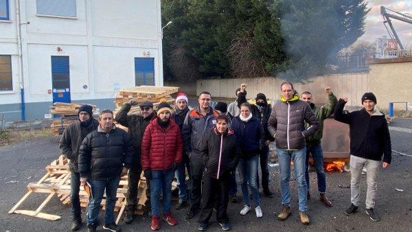 Luxfer : la direction veut détruire les machines, les salariés occupent l'usine !
