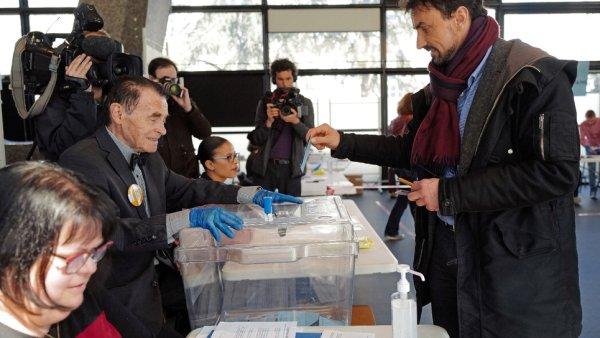 Municipales : une abstention historique sur fond de coronavirus, EELV fait une percée