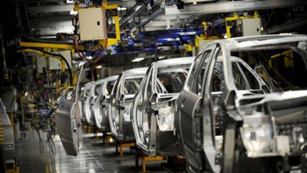 Industriels automobiles et Covid-19. Derrière les éloges de Macron, une politique criminelle