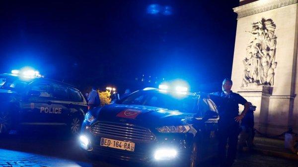 Les policiers obtiennent gain de cause : ils pourront de nouveau étrangler