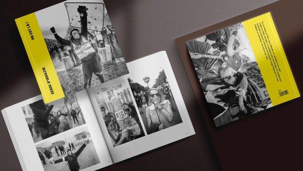 « On est là » : l'ouvrage photo qui sublime les Gilets Jaunes. Interview avec Serge D'Ignazio