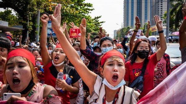 Myanmar : « Les travailleurs ont compris que le putsch donnera encore plus de pouvoir aux patrons »