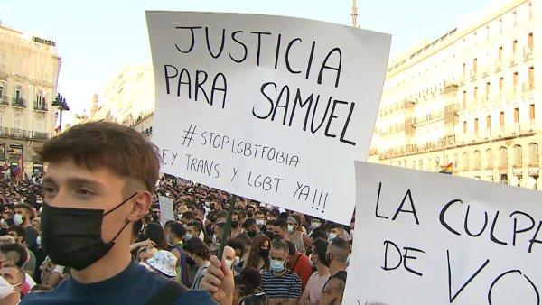Espagne. Des milliers de manifestants contre l'homophobie après le meurtre filmé de Samuel
